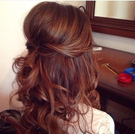 down hairstyles for a wedding guest half up half down wedding hairstyles pinteres