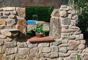 terrassen im garten naturstein f 252 r garten und haus gartengestaltung mit
