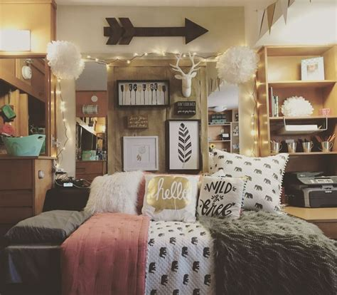 College Room Decor Best 25 College Bedrooms Ideas On College Dorms Dorms And College