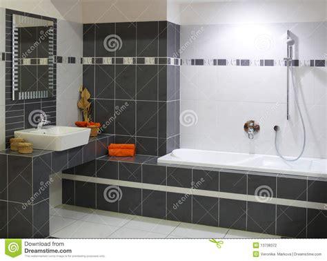 si鑒e ノl騅ateur de bain salle de bains moderne de cr 233 ateur photo stock image
