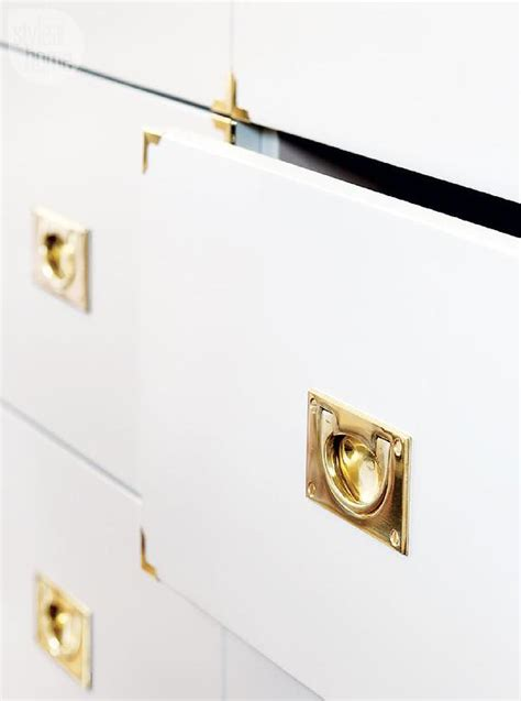 white cabinets with gold hardware white kitchen cabinets with silver hardware quicua com