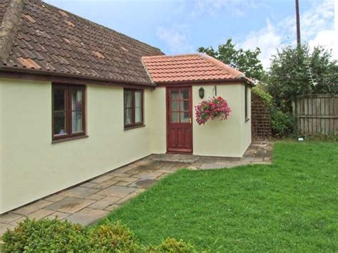 sykes cottages cotswolds maple cottage leigh wiltshire cirencester south of