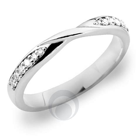 platinum wedding ring for solitaire engagement