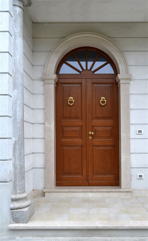 porte ingresso legno portoncini angelo contini falegnameria cremona