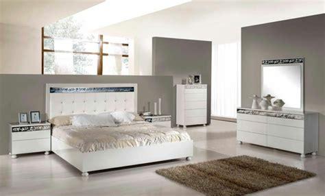 Machen Sie Ein Kleines Schlafzimmer Größer Aussehen by Das Italienische Schlafzimmer Ist Im Trend Archzine Net