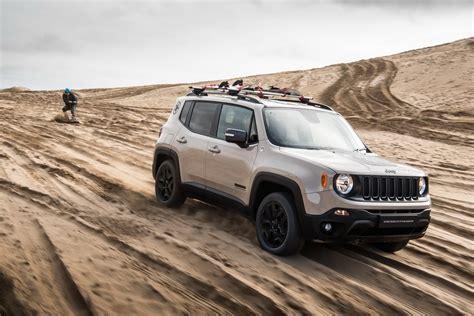 jeep renegade slammed jeep debuts new limited edition renegade desert hawk in