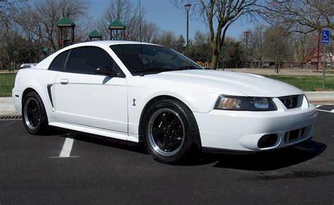 2001 ford mustang rims white 2001 cobra with black wheels mustang cobra svt