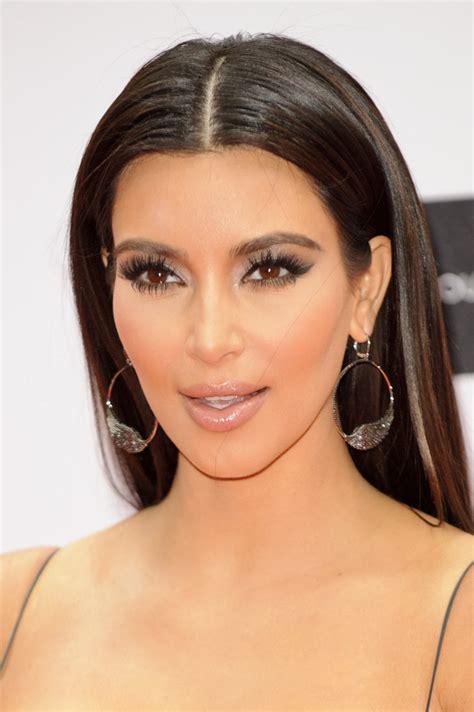 kim kardashian chanel earrings kim kardashian hoop earrings looks stylebistro