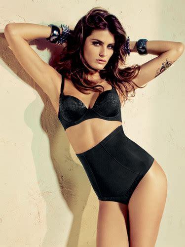 אחת שיודעת כל העונות 100 100 sexys 2012 brasileiras famosas 2