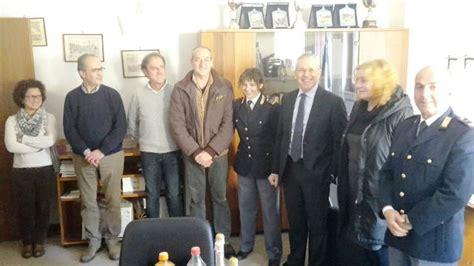 ufficio passaporti siena il questore piccolotti visita due commissariati e fa gli