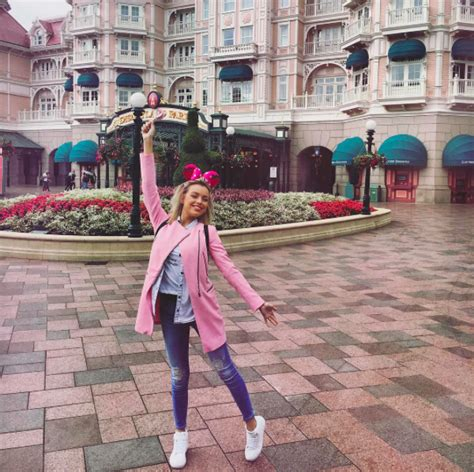 cute comfortable outfits for disneyland what people wear to disney parks around the world theme