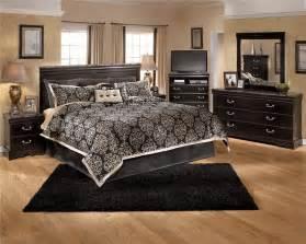 Black Rugs For Bedroom Plain Black Bedroom Rug Rugs For Rickevans Throughout