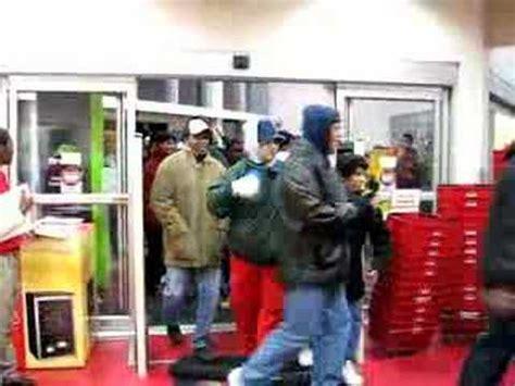 target black friday door open circuit city 3157 black friday door open youtube