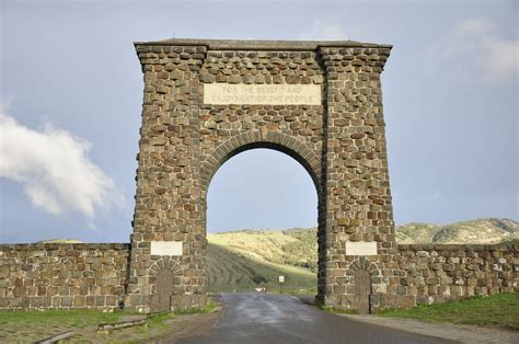 roosevelt arch 37 awesome photos of roosevelt arch in wyoming places