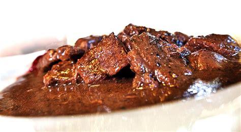 cucinare carne spezzatino di cervo ricetta per cucinare uno spezzatino