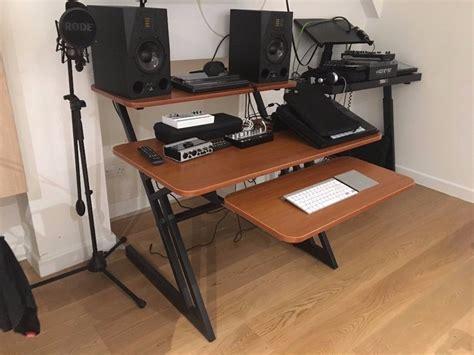Quiklok Studio Desk Quiklok Z250 Studio Desk 3 Tier Cherry Wood As New