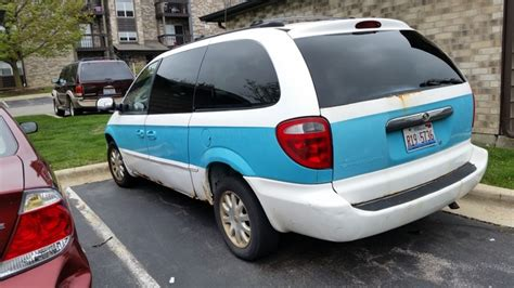 2002 chrysler town and country reviews 2002 chrysler town country overview review cargurus