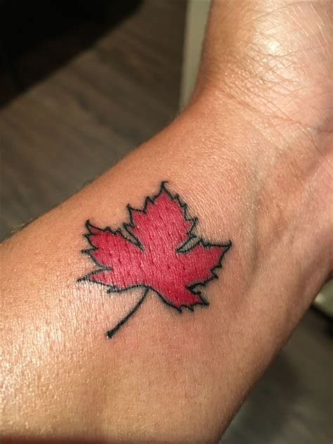 maple leaf tattoo designs 8 best maple leaf designs images on canadian