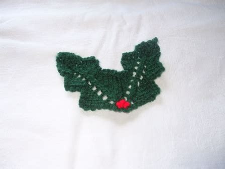 holly leaf pattern knitting pin by monique feeley on knitting christmas pinterest