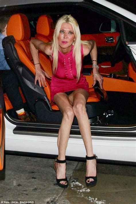 kate hudson flashes her crotch as she exits a car photos tara reid enjoys date night with new beau ted dhani