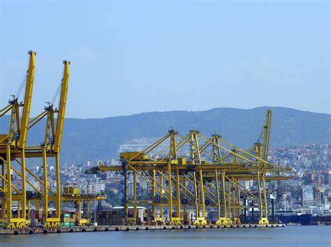 trieste porto porti trieste supera genova primo per volume merci