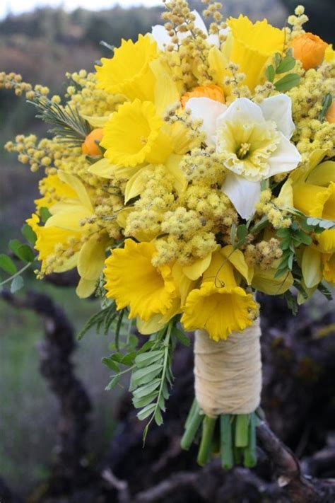 7 Must Use Flowers for Spring Weddings   Brit   Co