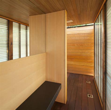 pool house  designed    shower  change