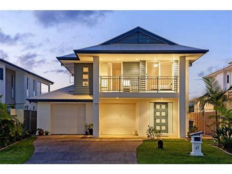 Bamboo House Design And Floor Plan by Fachadas De Casas Bonitas Con Balcon Y Terrazas Fachadas