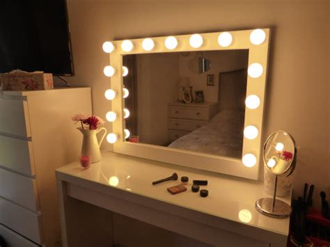 Vanity Mirror With Light Bulbs by Lighted Vanity Mirror Large Makeup Mirror With