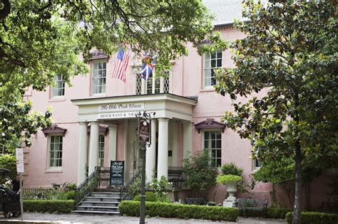 old pink house denise gonsales photography heather brian the olde pink house savannah wedding photographer