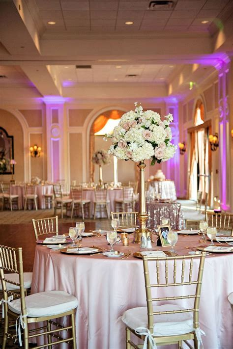 Best 25  Tall centerpiece ideas on Pinterest   Tall