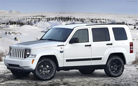 are jeep libertys cars jeep liberty arctic 2012 widescreen car wallpapers