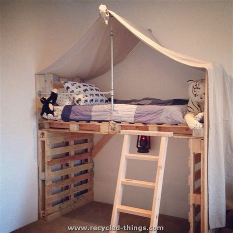 kids pallet bed 25 best ideas about pallet toddler bed on pinterest