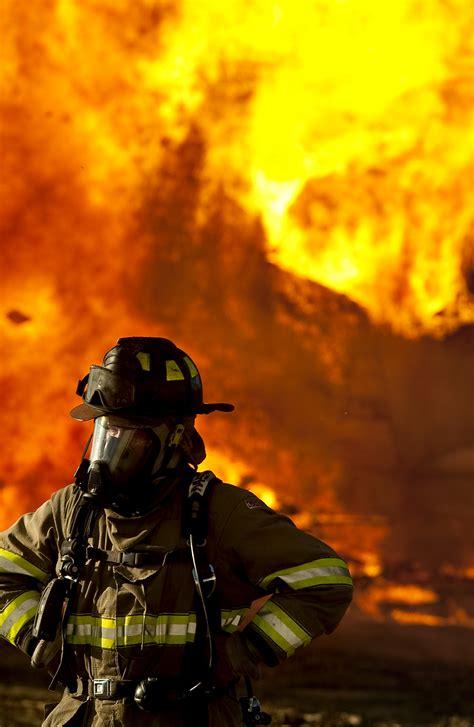 firefighter backgrounds fighting wallpaper wallpapersafari