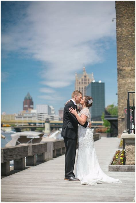 Wedding Budget Milwaukee by Cuvee Milwaukee Wedding Cost Breakdown Of Vendors