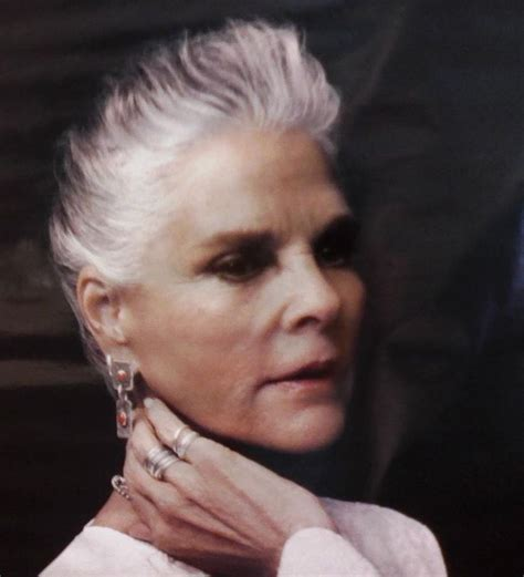 44 years old and 75 grey hair ali macgraw actriz canas recogido tied up gray hair