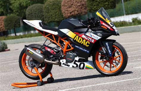 Ktm 390 Race Bike Ktm Rc 390 Makes Its Debut At Adac Junior Cup Gaadi