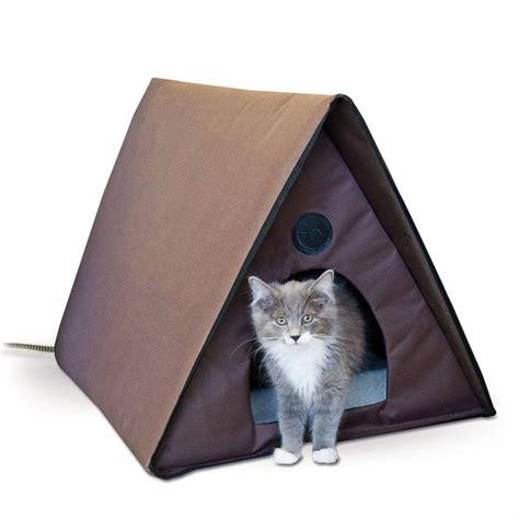 outdoor cat bed 25 best ideas about heated outdoor cat house on pinterest