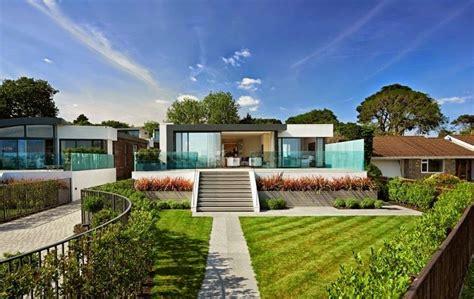 imagenes de casas con jardines hermosos fachadas de casas con jardines frontales
