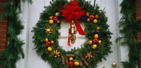 te ensenamos a hacer tu propia pinata de mike wazowski monsters inc te ense 241 amos a hacer tu propia corona de navidad