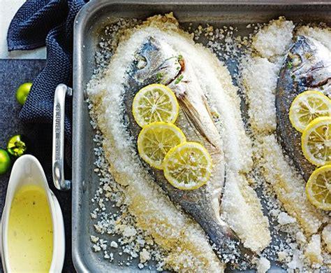 come cucinare l orata al sale ricetta per fare l orata al forno al sale in crosta