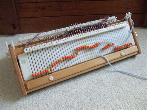home knitting machines the simpleframe knitting machine model 96 cleveroldstickblog
