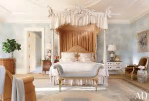 Regency Canopy Post Bedroom Trending We Ve Found It The Best Four Poster Beds From