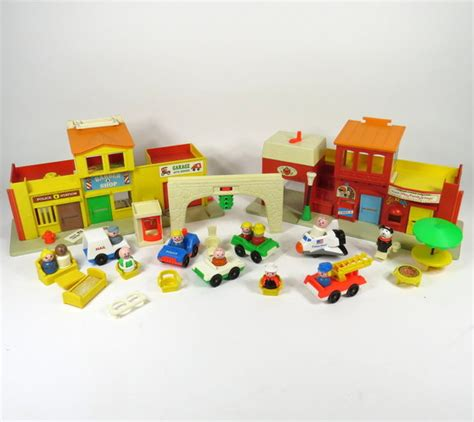 Set Family New 30 vintage 1973 fisher price play family play set original box 30 pieces ebay
