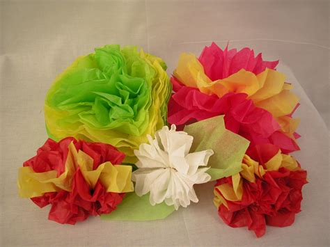 How To Make Tissue Paper Carnations - tissue paper crafts wikihow