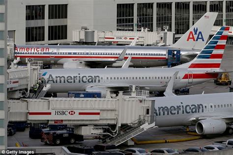 american airlines flight forced to return to gate after american airlines flight forced to make emergency landing