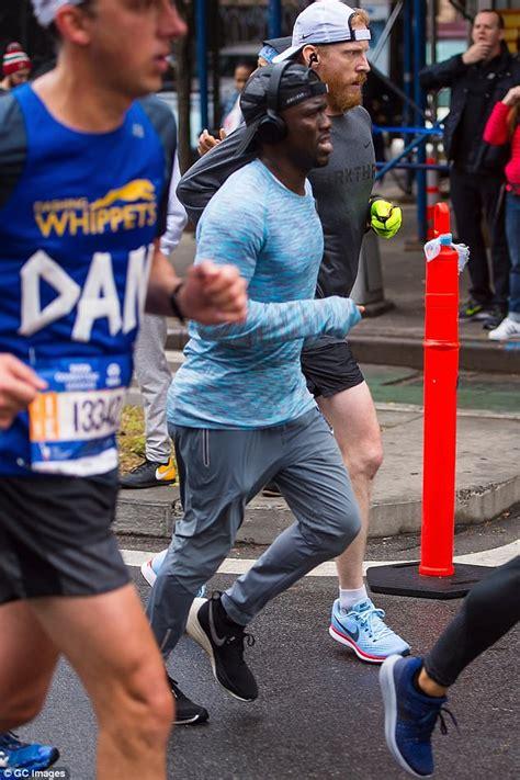 kevin hart nyc kevin hart and karlie kloss run nyc marathon daily mail