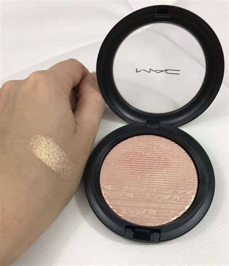 mac beaming blush extra dimension skinfinish review mac extra dimension skinfinish in beaming blush make up