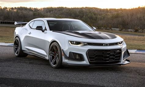 new camero 10 amazing facts about the new 2018 chevrolet camaro zl1
