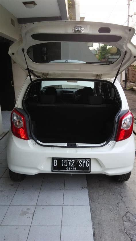 Mobil Ayla Putih by Daihatsu Ayla Matic 2013 Tipe M Plus Putih Mulus Nego